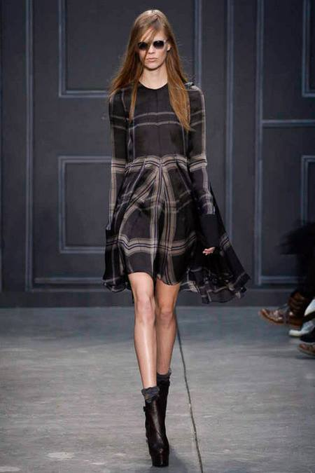 images/cast/10151854659072035=Fall 2014 COLOUR'S COMPANY fabrics x=vera wang n.y